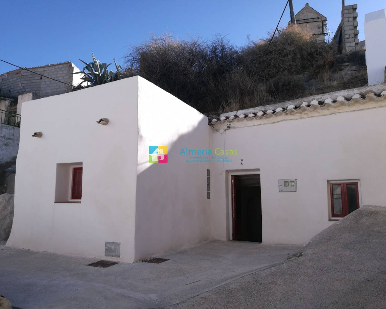 Townhouse - Resale - Baza - Centro